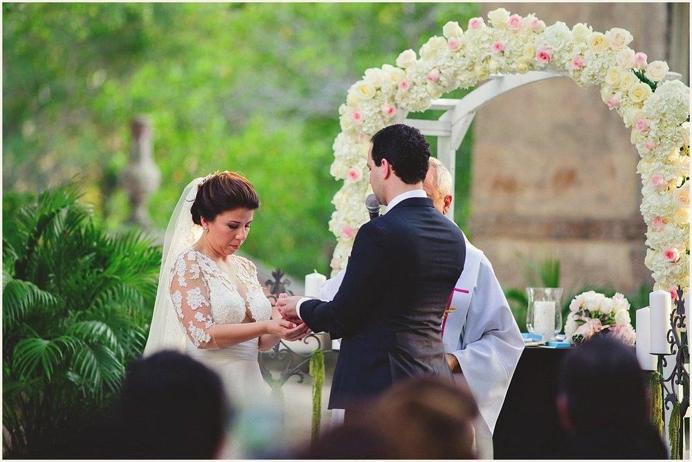 vizcaya-museum-romantic-wedding-_0095.jpg