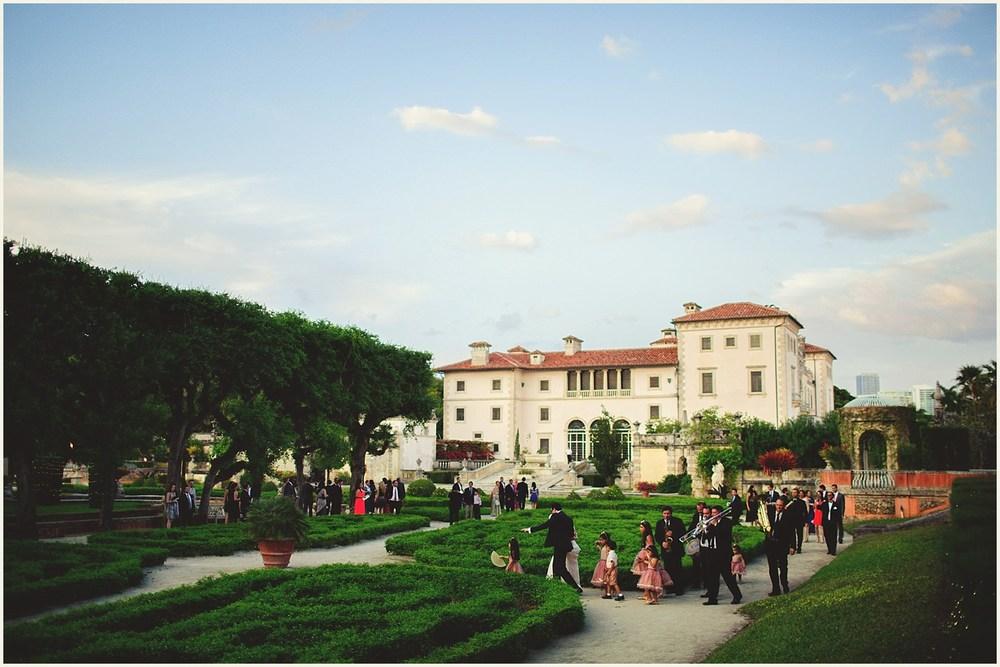 vizcaya-museum-romantic-wedding-_0111.jpg