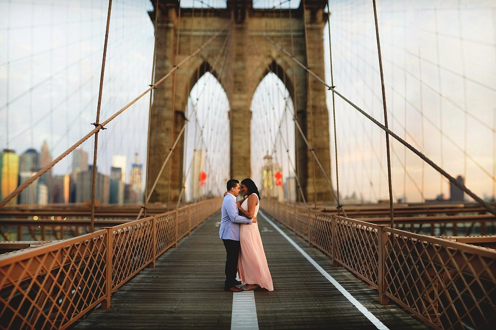 brooklyn bridge engagement photos no people