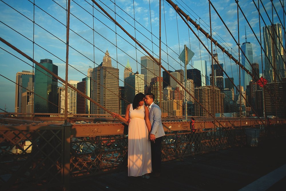 sunrise brooklyn bridge engagement photos