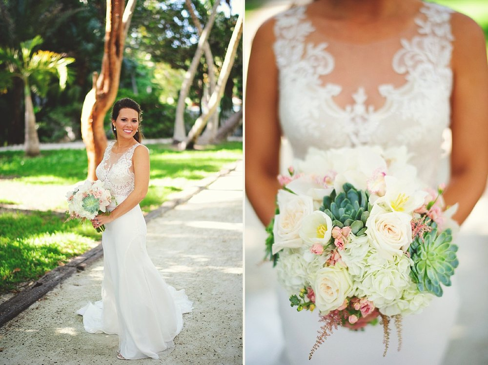 pierre's restaurant wedding: brides bouquet floral fantasy