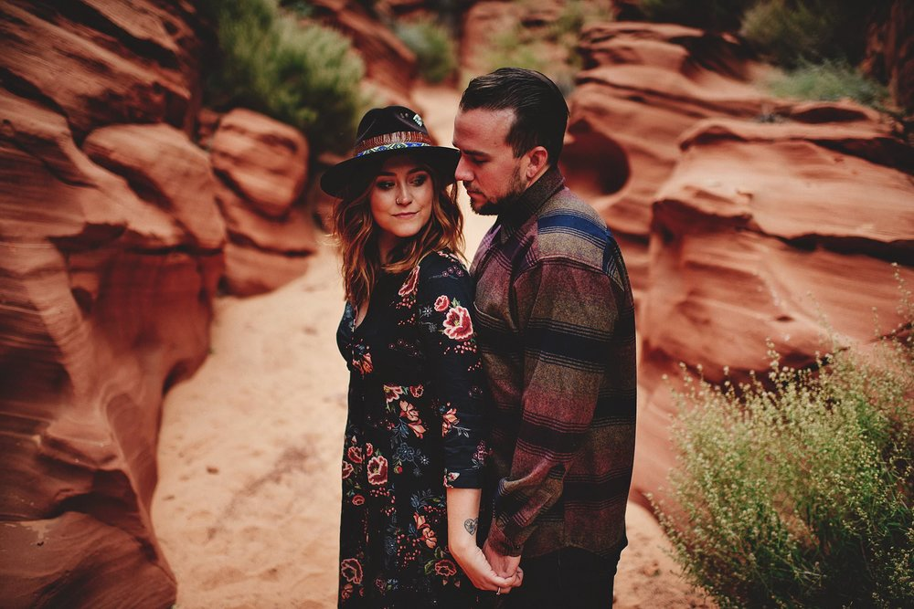 horseshoe-canyon-engagment-photos0011.jpg