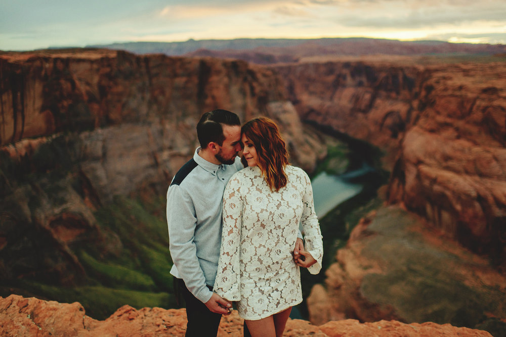 horseshoe-canyon-engagment-photos0065.jpg