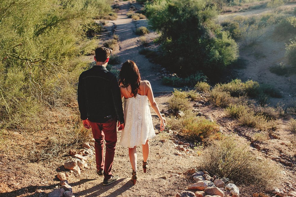 superstition-mountains-desert-engagement-photos-0002.jpg