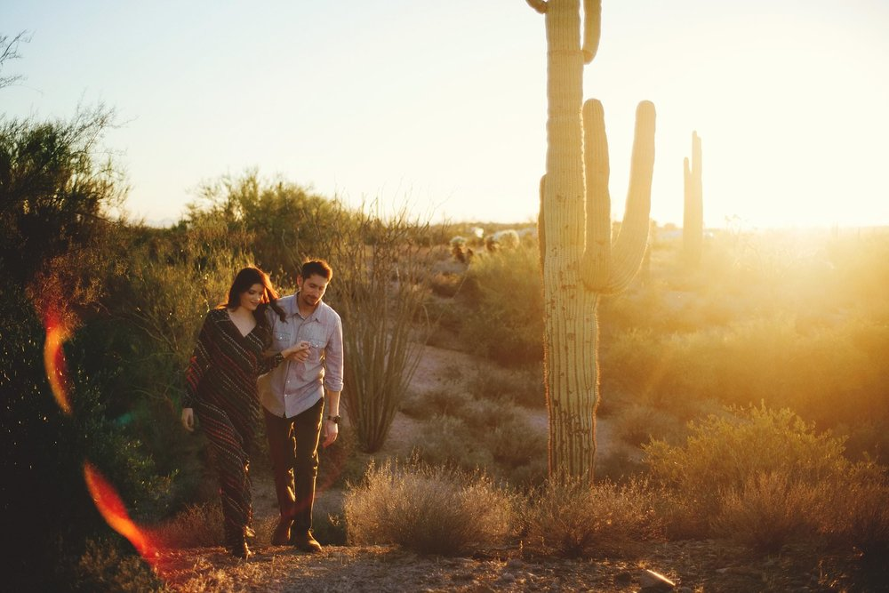 superstition-mountains-desert-engagement-photos-0023.jpg