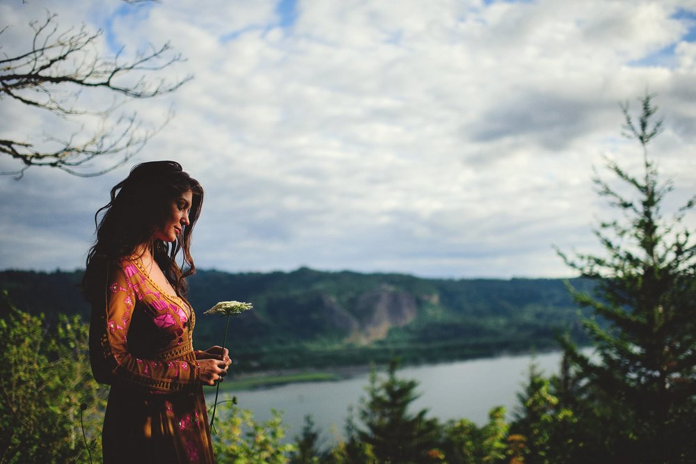 elowah-falls-columbia-river-gorge-engagement-photos-0013.JPG