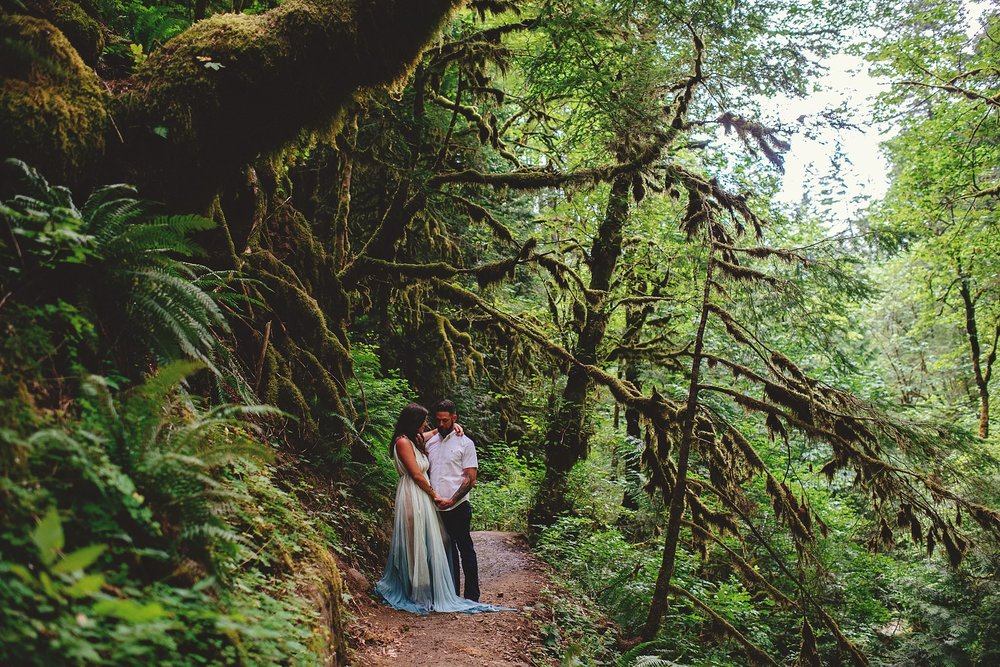 elowah-falls-columbia-river-gorge-engagement-photos-0028.JPG