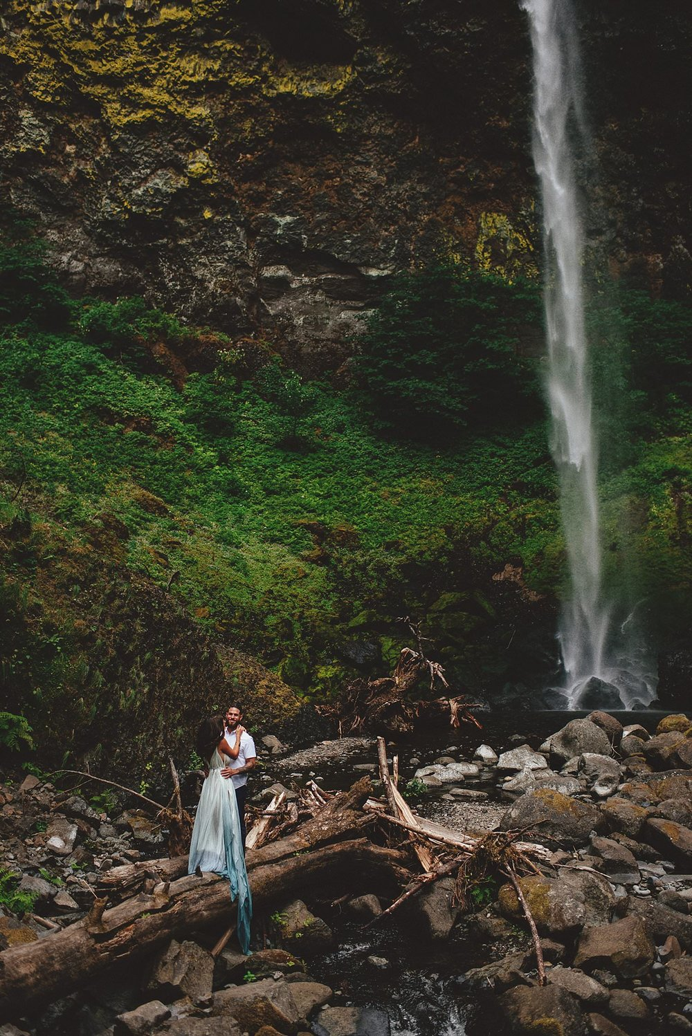 elowah-falls-columbia-river-gorge-engagement-photos-0036.JPG