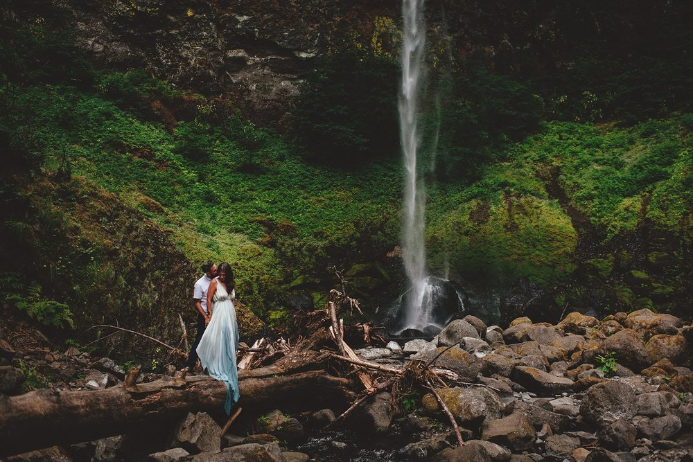 elowah-falls-columbia-river-gorge-engagement-photos-0038.JPG