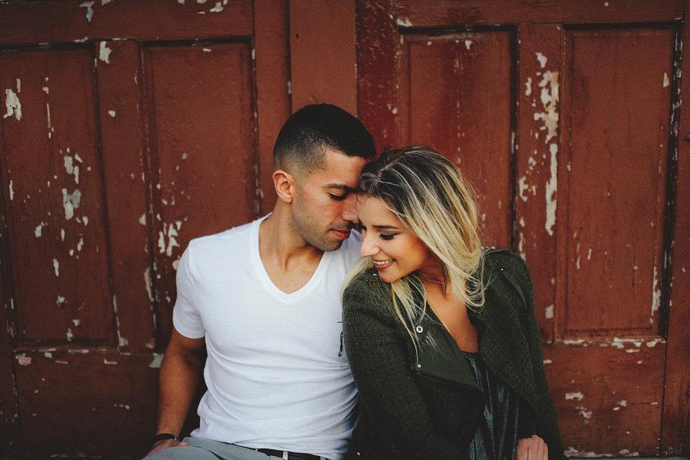 sweet and romantic orlando engagement photos