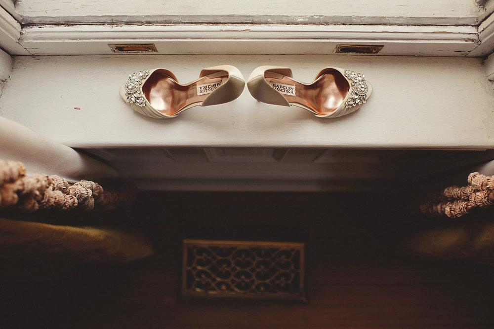 Harper Fowlkes House wedding: bridal badgley mischka shoes