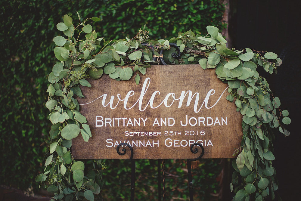 Harper Fowlkes House Wedding: welcome sign