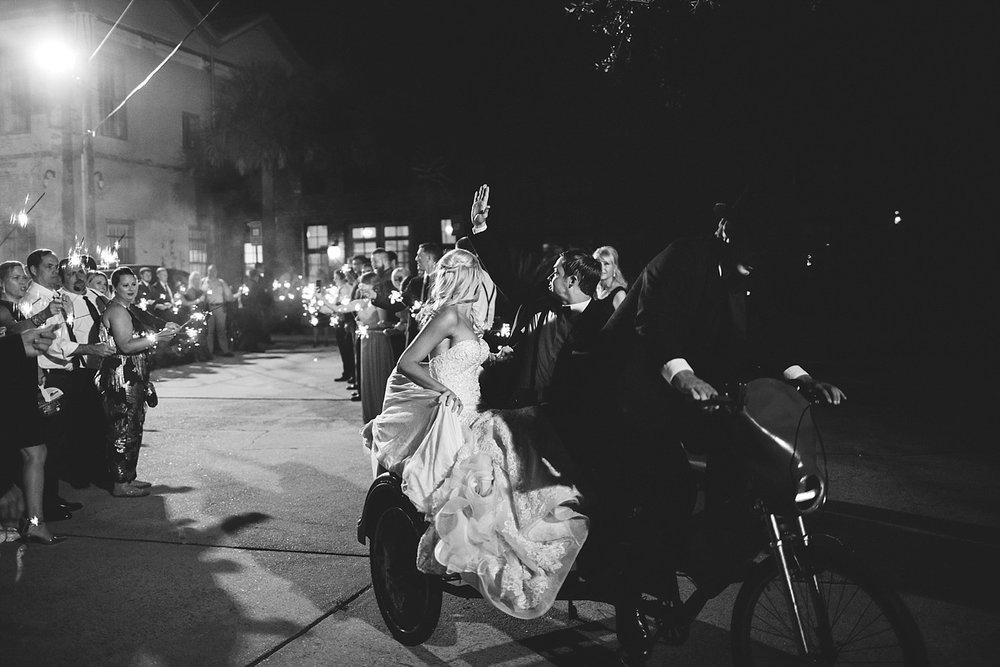 savannah wedding leaving in a rickshaw