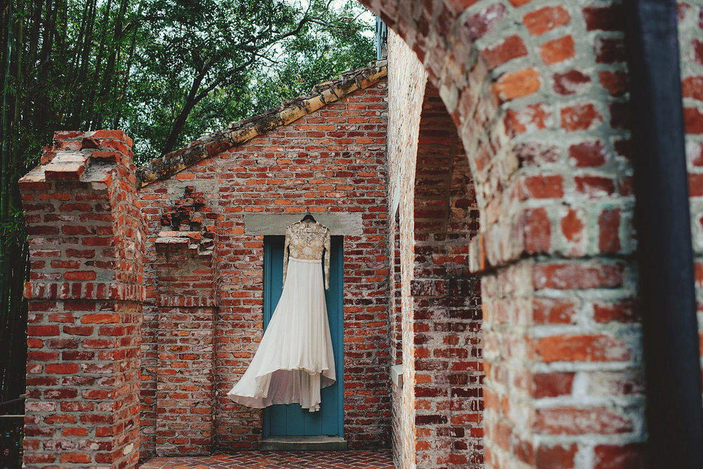 casa feliz wedding photos: bride's wedding dress