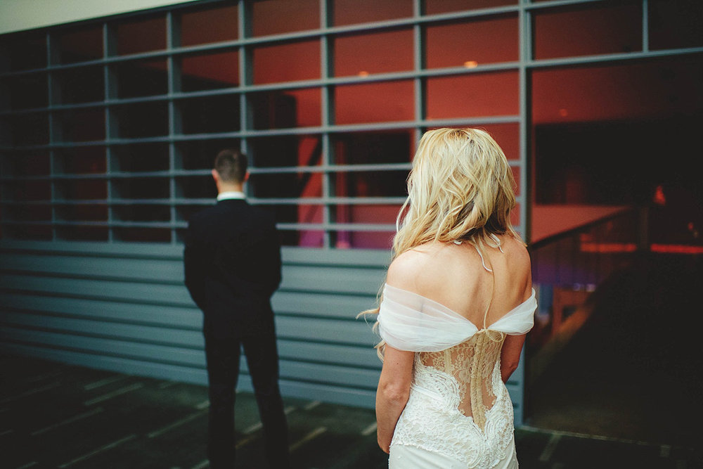 romantic-w-fort-lauderdale-wedding: bride seeing groom for first