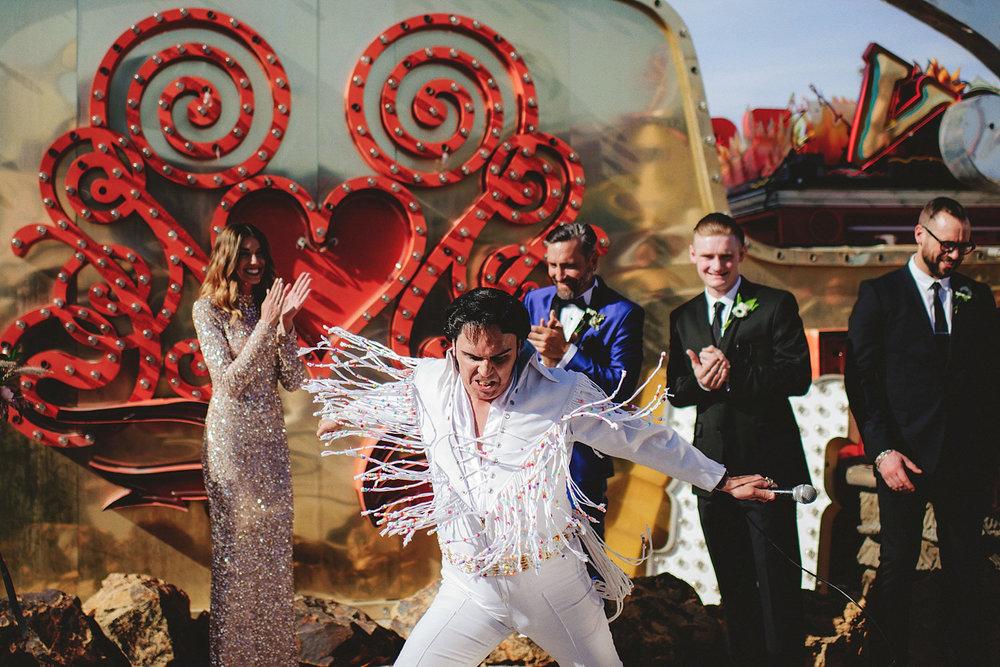 elvis officiant las vegas wedding