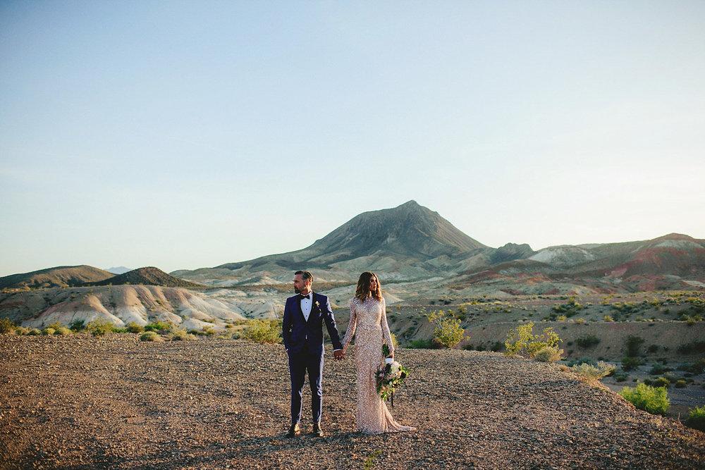 coolest las vegas wedding photos
