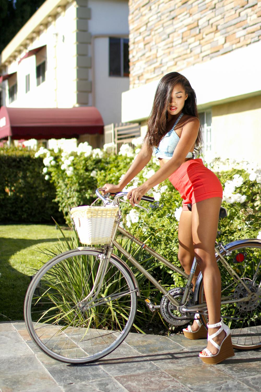 emilynnrose_roxy_bike2.jpg