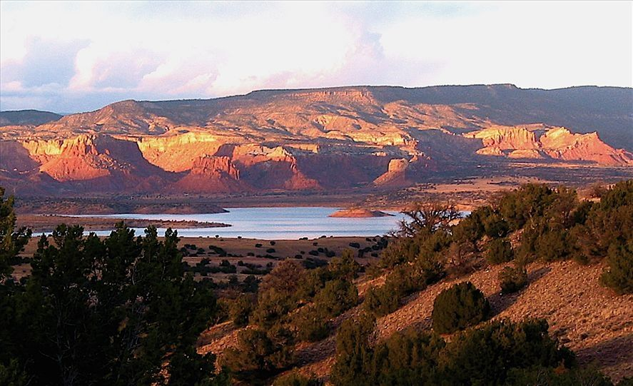 Abiquiu Lake & Ghost Ranch