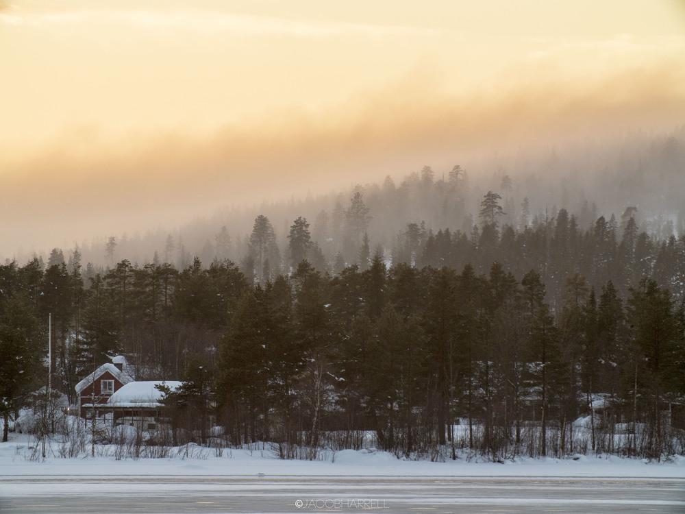 14_03_16_Laponia_lake-318.jpg