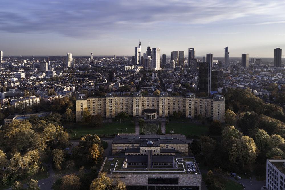 Skyline Frankfurt Drohnenaufnahme