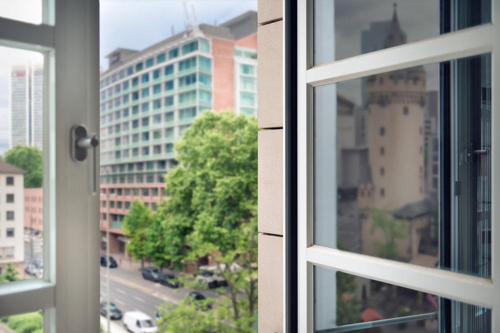 Aussicht aus Fenster Clean.jpg