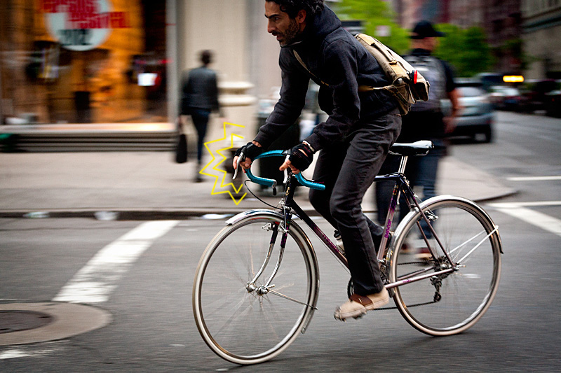 Blue-bicycle-commuter.jpg