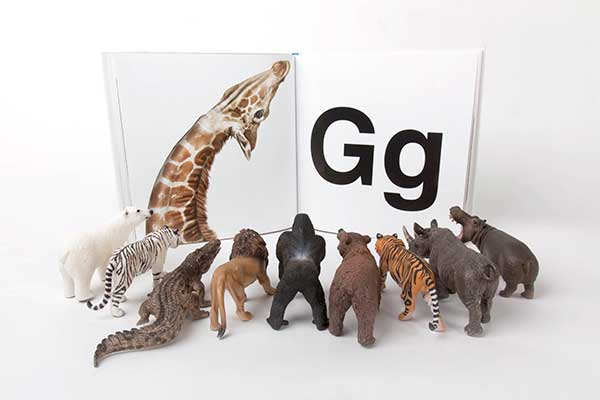 reading-animals-72w.jpg