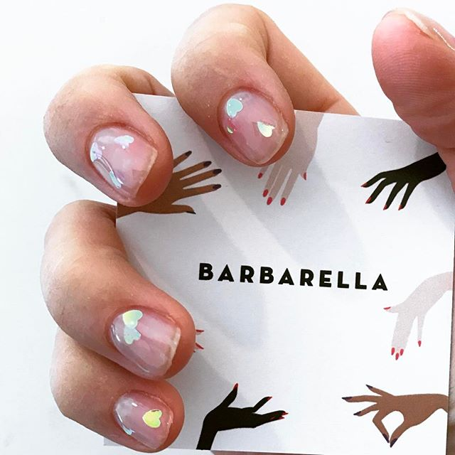 Showing off my manicure and my design cc @barbarella_mtl