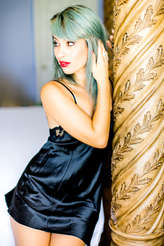 fine art boudoir model photo in melbourne fl