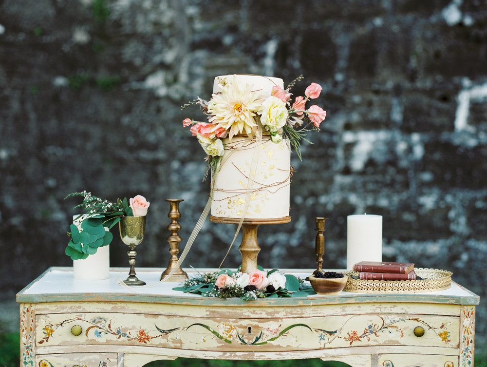 St. augustine, castillo de san marcos styled wedding bridal photo, wedding cake
