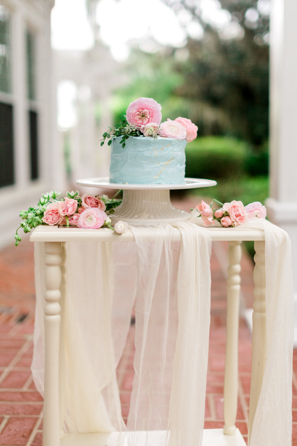 cypress grove estate house, orlando florida wedding photo shoot, cake and flowers