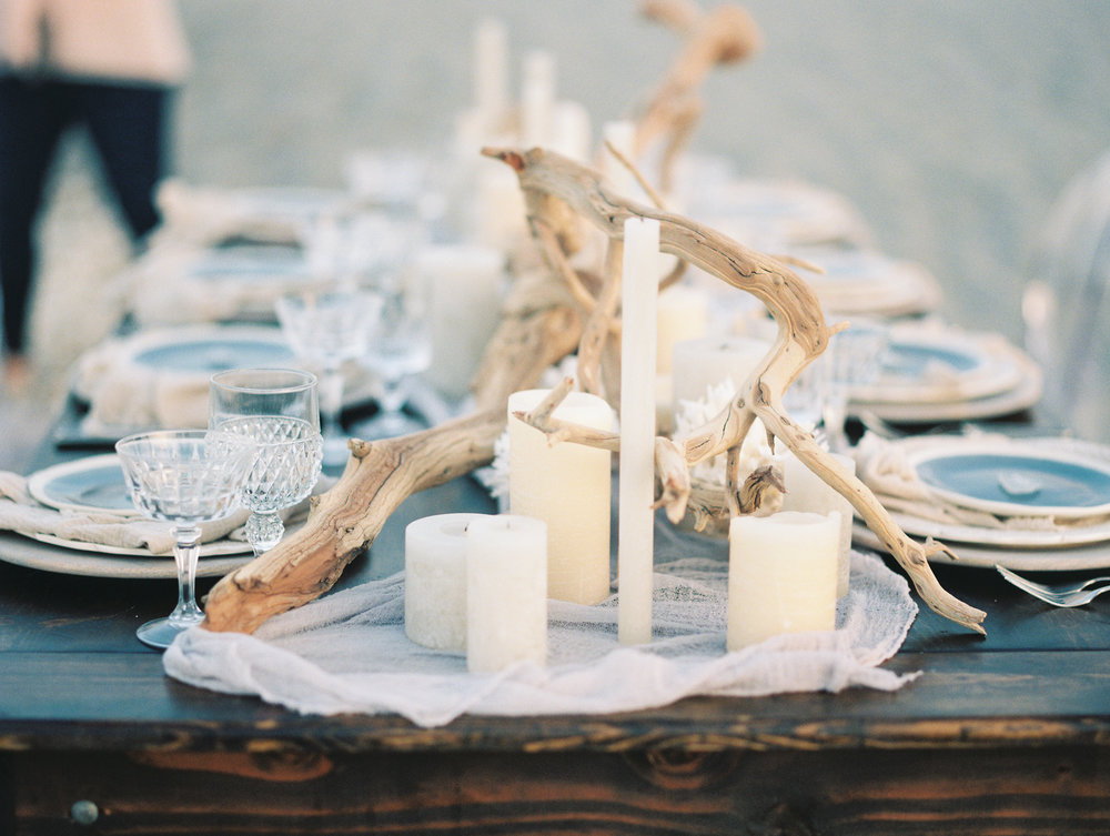 coral cove, jupiter beach FL, palm beach wedding photos, reception table on beacg