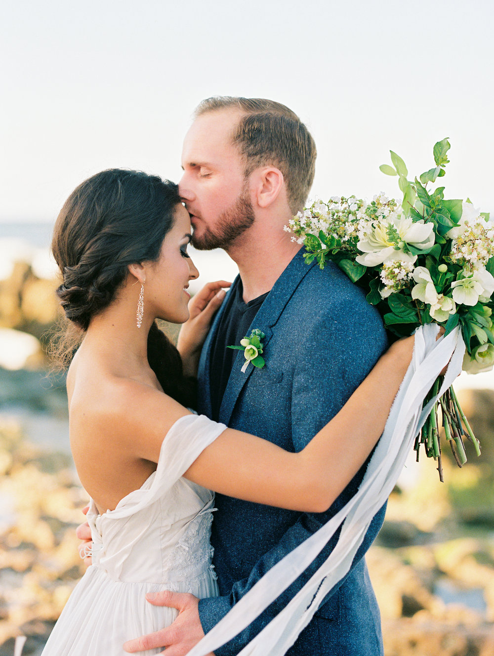 coral cove, jupiter beach FL, palm beach wedding photos, bride and groom photos