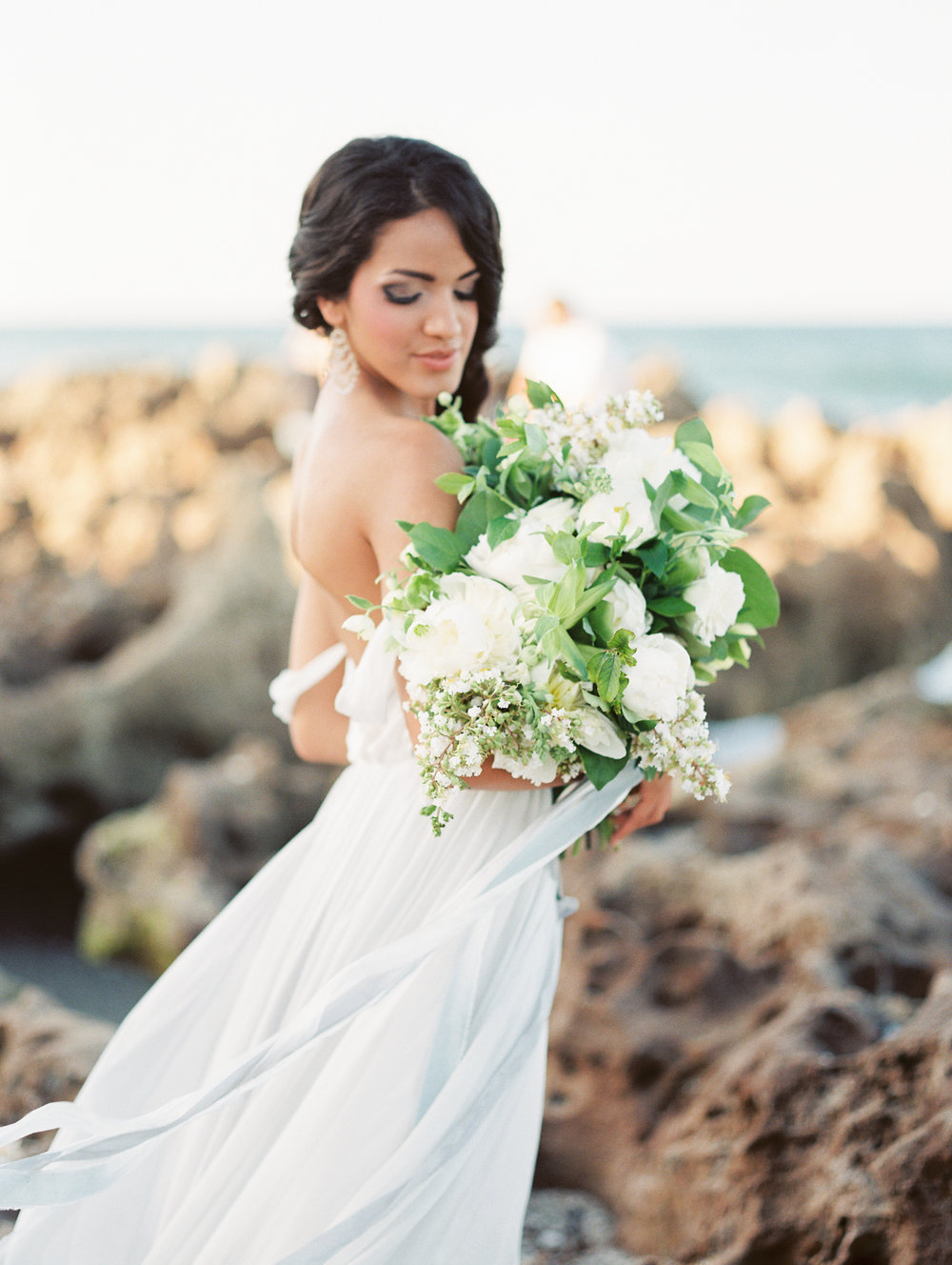 coral cove, jupiter beach FL, palm beach wedding photos, bride portraits