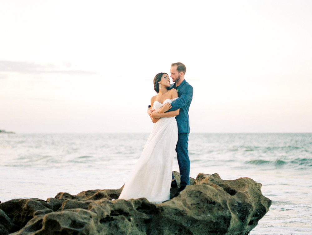 coral cove, jupiter beach FL, palm beach wedding photos, bride and groom on beach at sunset photos