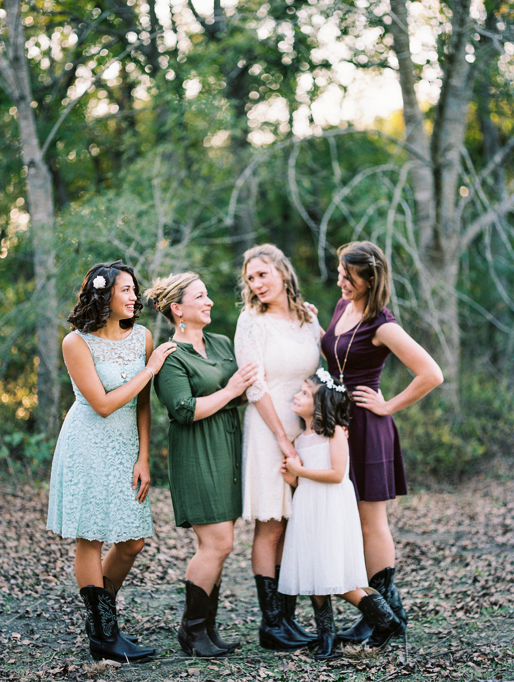 waco lorena texas rustic wedding photos bridesmaids