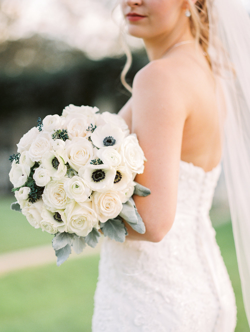 lake-mary-events-center-Florida-wedding-photos-bride-with-bouquet