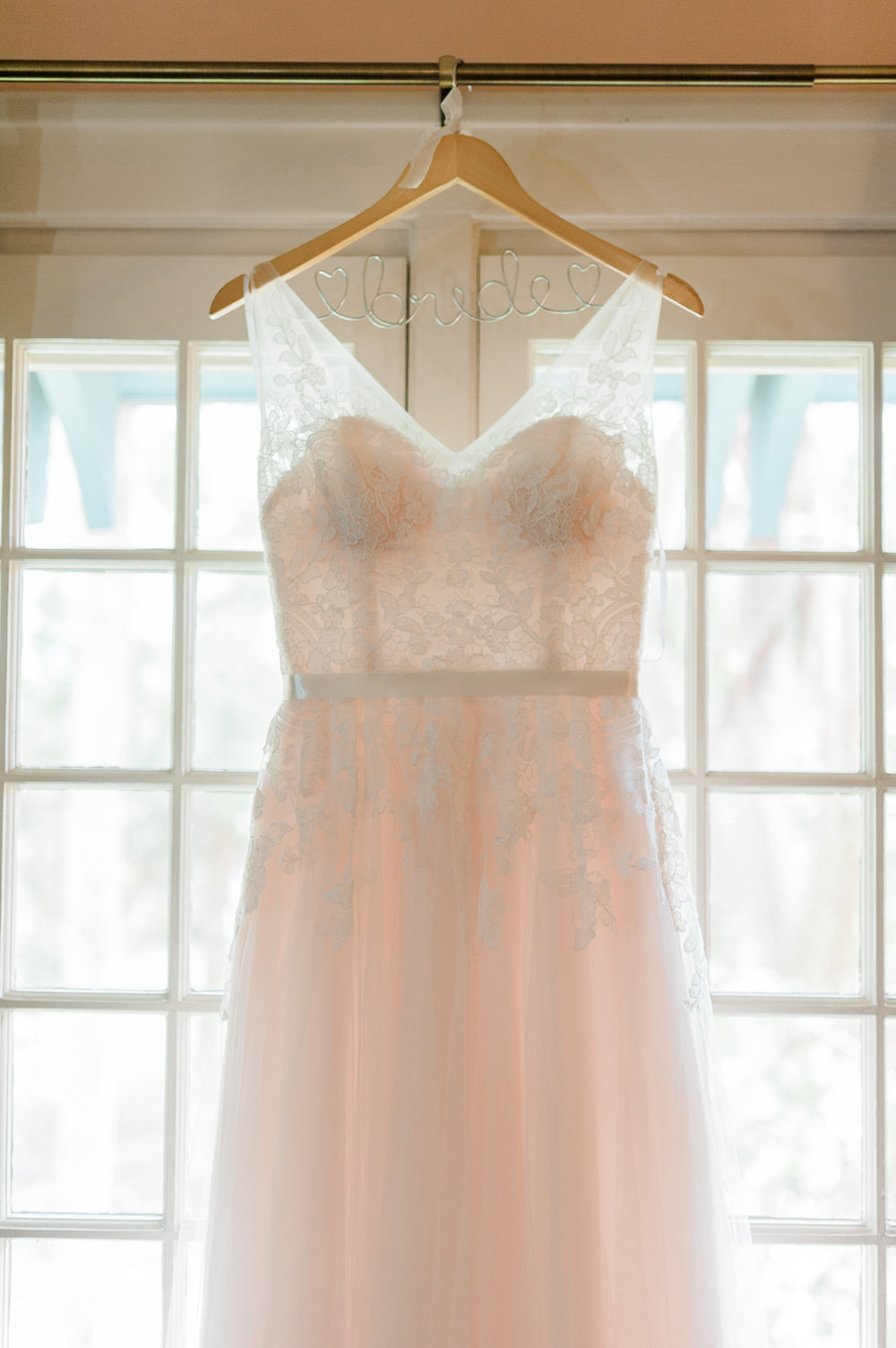 sydonie-mansion-mount-dora-orlando-fl-wedding-photos-dress-gown