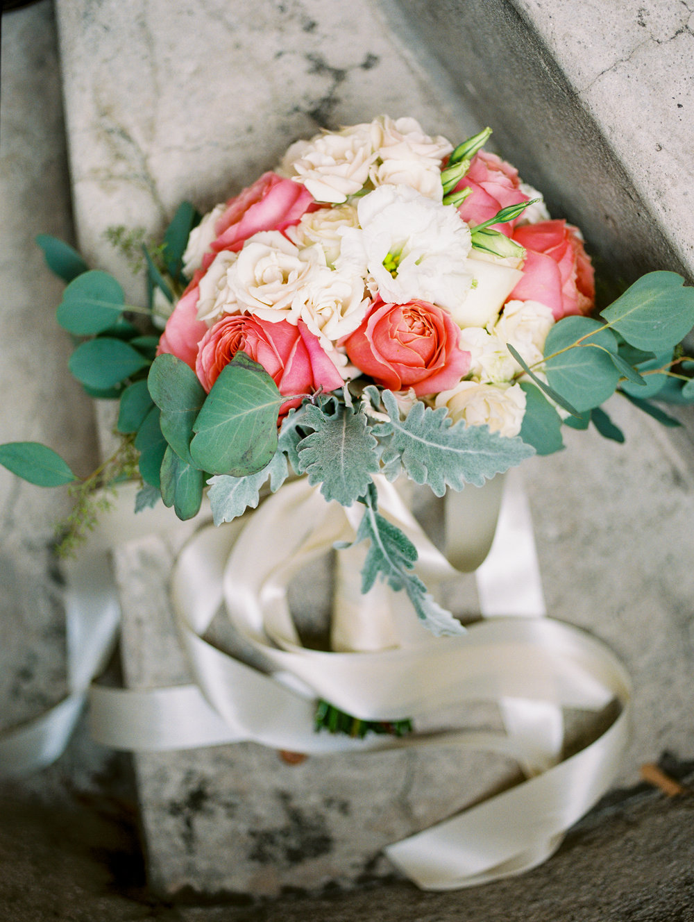 sydonie mansion mount dora orlando fl wedding photos bouquet