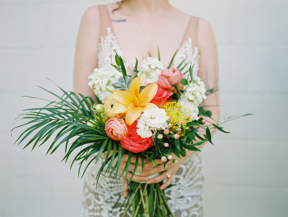 the acre orlando wedding photography bride jessica bellinger photography flowers bouquet