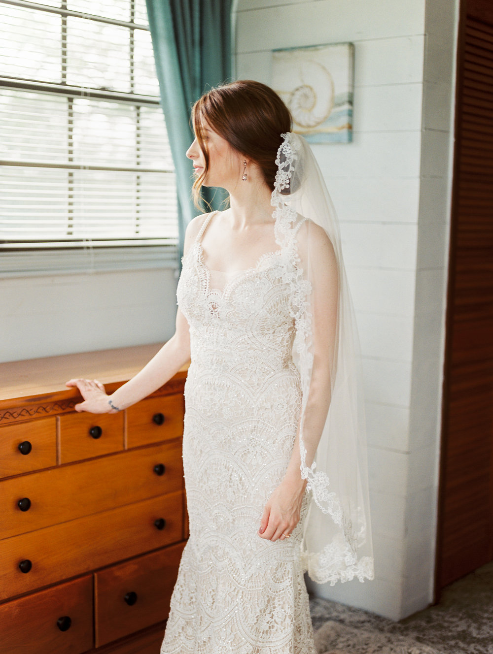 orlando florida wedding photography bride getting ready olivia bowen bridal gown