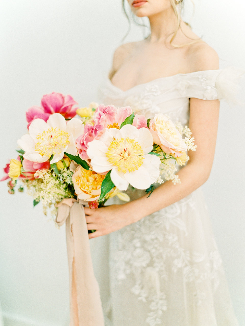 manhattan new york bridal wedding bouquet film fine art photos