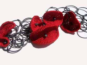 Red Poppy Chain