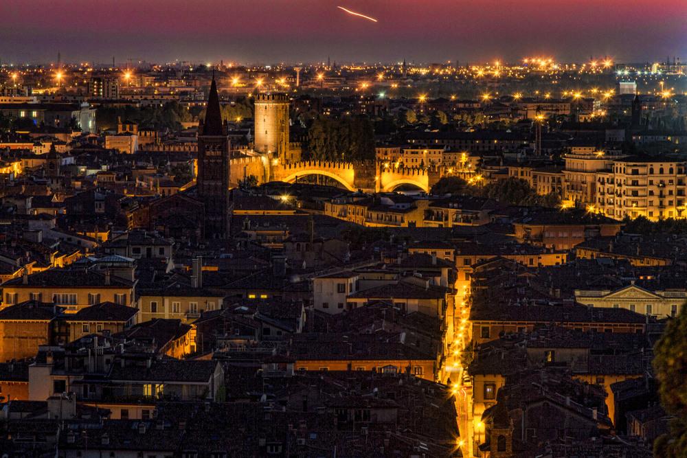 VeronaAtDuskFrom CastelSanPietro-4277.jpg