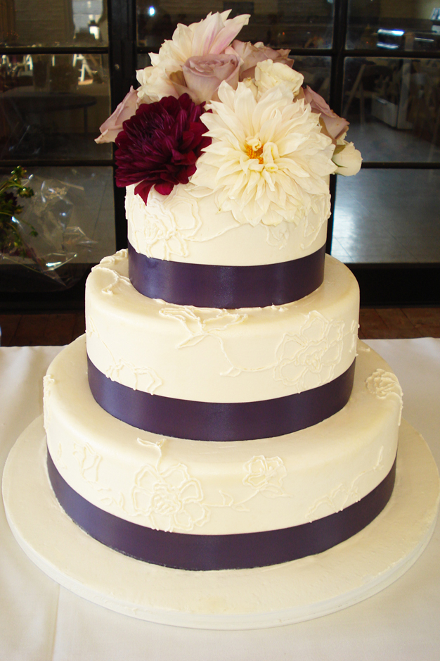 YellowKitchenCakes-Wedding_05.jpg