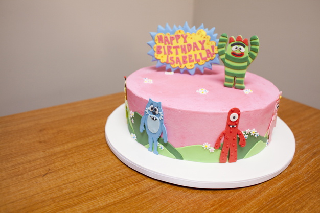 YellowKitchenCakes-Wedding_YoGabbaGabba.jpg