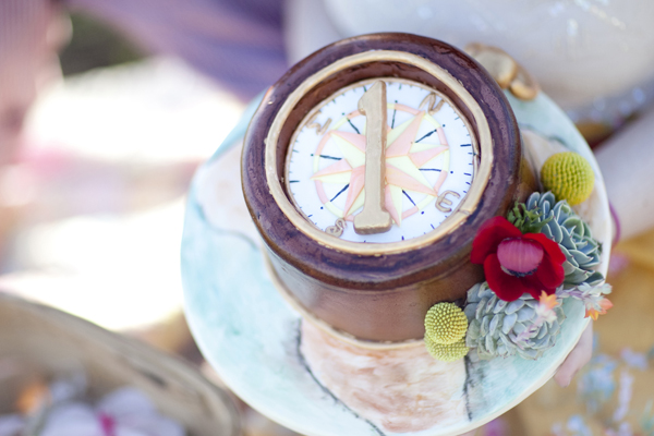 YellowKitchenCakes-Wedding_Compass.jpg