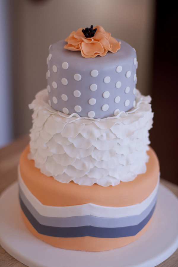 YellowKitchenCakes-Wedding_orangegreybabyshower.jpg