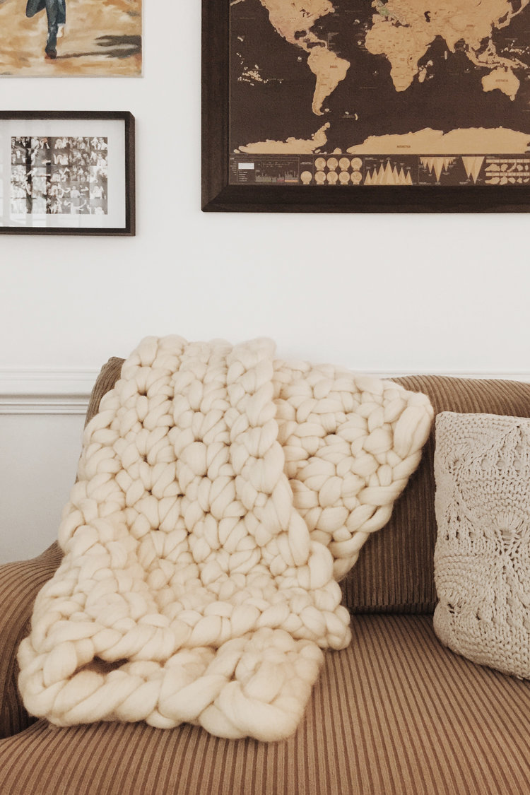 Leave Your Hooks At Home And Learn How To Crochet A Snuggly Throw Using  Only Your